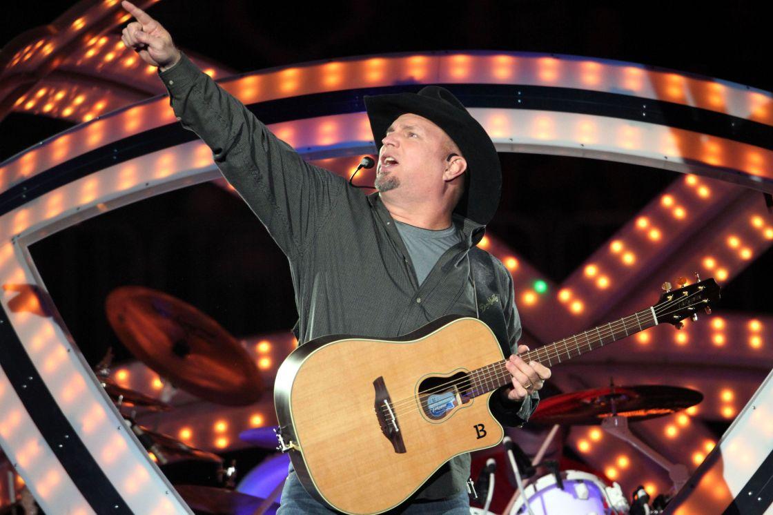 Billboard: Garth Brooks to Headline 2018 Stagecoach Festival