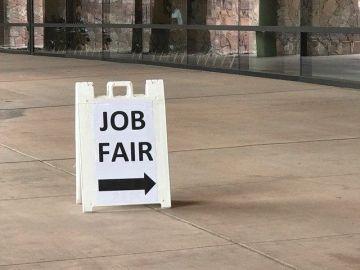 Kimpton Rowan Palm Springs Hotel Hosts Job Fair
