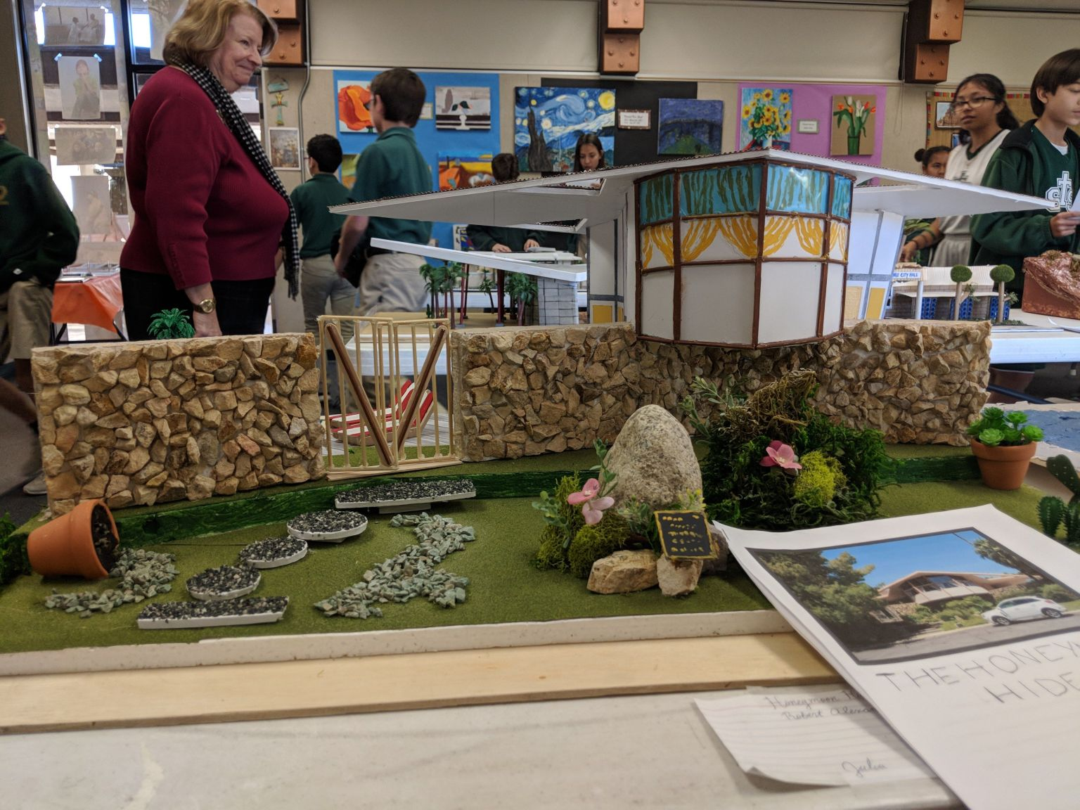 Sixth Graders Replicate Iconic Mid-Century Architecture of the Desert
