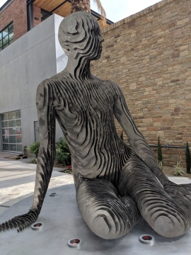 New Downtown Palm Springs Sculpture is a Showstopper