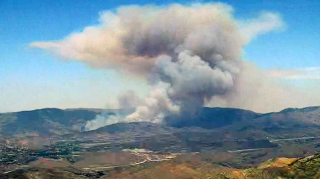 Evacuations Ordered After Brush Fire Burns in Agua Dulce Grows to 1,000 Acres