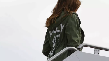 Melania dons jacket saying 'I really don't care. Do U?' ahead of border visit