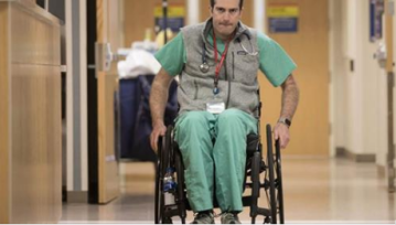Paralyzed ER doctor returns to work, just don't call him inspirational