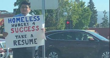 Homeless man handing out resumes in Silicon Valley gets more than 200 offers