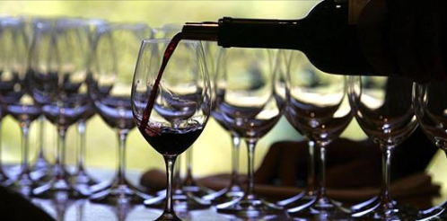 National Drink Wine Day: Here's how wine can help your health!
