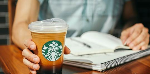 Starbucks says it will stop offering plastic straws by 2020