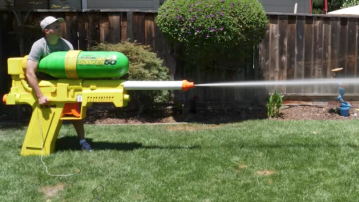 Former NASA engineer builds the world's largest Super Soaker