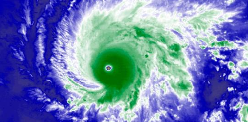 Hawaii Residents Brace as Possibly Catastrophic Category 5 Hurricane Bears Down