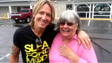 Woman helps man short on cash, discovers he's Keith Urban