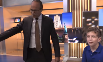 Lester Holt is visited by young fan with rare genetic disorder (and gets an incredible gift)