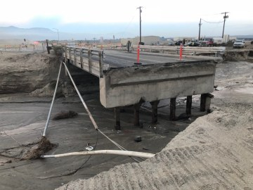 Bridge Collapse Causes Delays for North Shore Residents