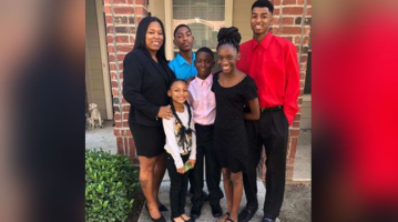 Single mom of 5 whose graduation photos went viral passes bar exam