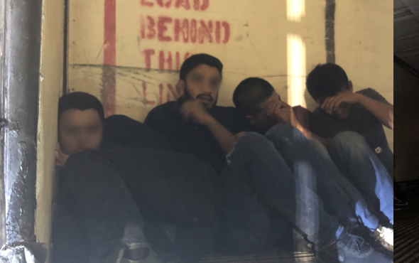 Border Patrol Discover 9 Undocumented Immigrants inside a Tracker Trailer