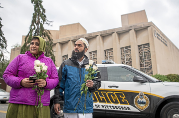 Muslim Americans raise more than $120,000 for those affected by Pittsburgh synagogue shooting