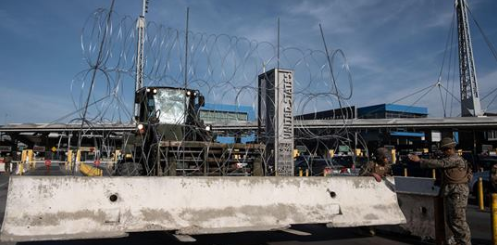 US Temporarily Closes Busiest US-Mexico Border Crossing in Calif.