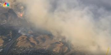 Wind-Driven Woolsey Fire Threatens 30,000 Homes as It Burns Toward the Ocean