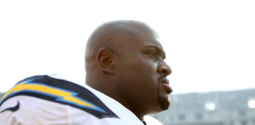 Moment of Silence Held for Daughter of Chargers' Brandon Mebane in Game Against Patriots