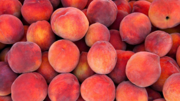 Peaches, nectarines sold at Walmart recalled over possible listeria contamination