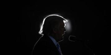 Federal appeals court revives ethics lawsuit against Trump