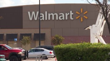 Woman Drinking Wine From Pringles Can, Roaming Lot Banned From Wichita Falls Walmart