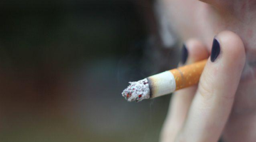 US officially raises the tobacco buying age to 21