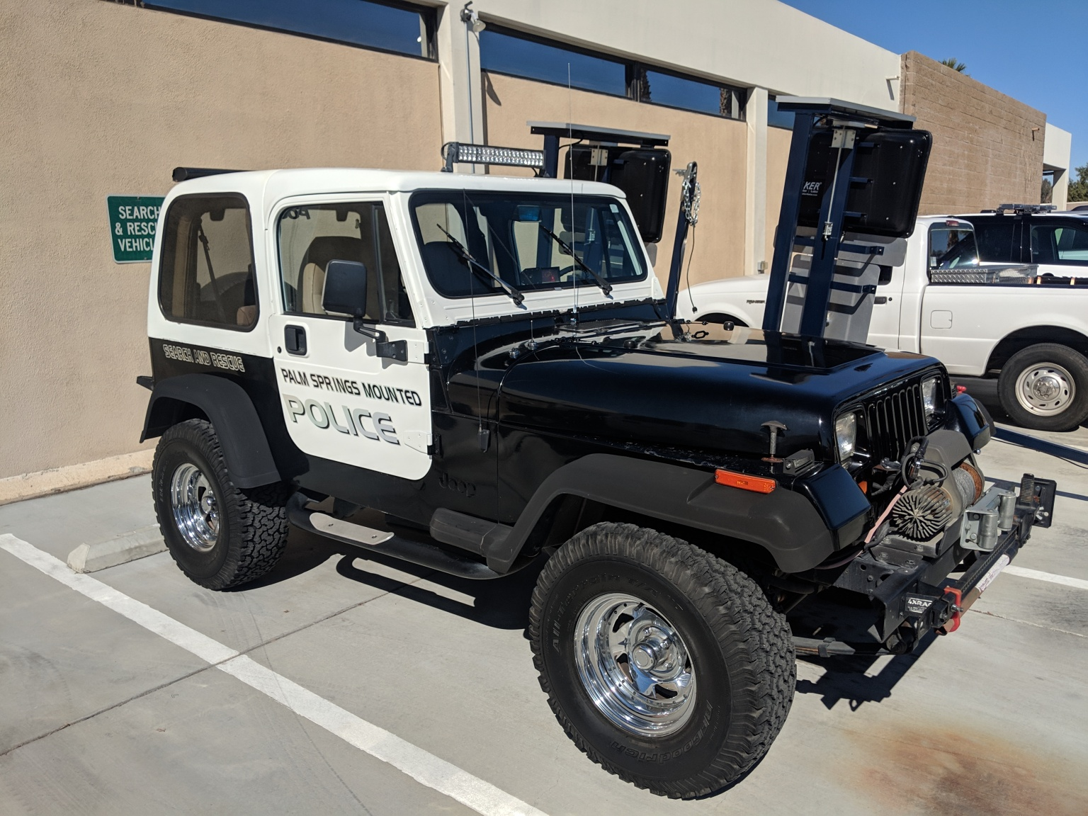 Palm Springs Mounted Police Asks Community's Help to Purchase Rescue Jeep
