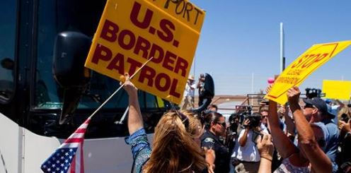 White House considered dumping migrants in 'sanctuary cities'