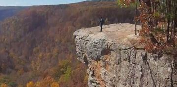 College student dies in cliff fall while positioning herself for a photo
