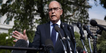 Trump aide Kudlow acknowledges U.S. consumers pay for tariffs, not China