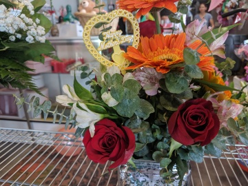 Flower Delivery Brings Joy to Local Moms from Long Distance