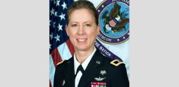 1st woman to take command of a U.S. Army infantry division