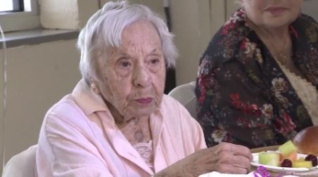 Woman turns 107 and shares her secret to longevity: 'I never got married'