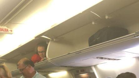 Southwest flight attendant pulls a funny fast one on passengers