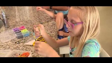 9-year-old makes bracelets for the Bahamas