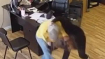 Woman Fights Off Knife-Wielding Robber in Pomona