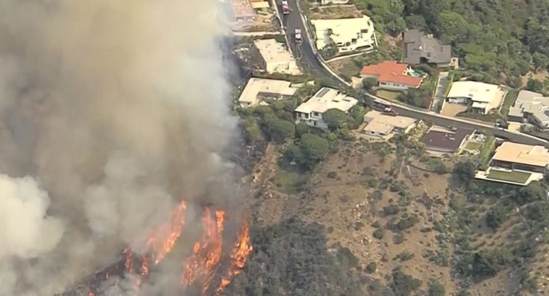 Brush Fire Threatening Homes in Pacific Palisades; Evacuations Ordered