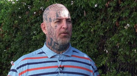 Skinhead-turned-pastor uses past mistakes to help others