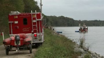 Teenager dies trying to save his family from a car that plunged into a Delaware canal