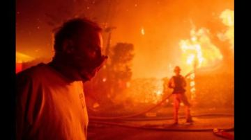 California Wildfires: Homes Burn in San Bernardino and Strong Winds Threaten to Stoke Other Blazes