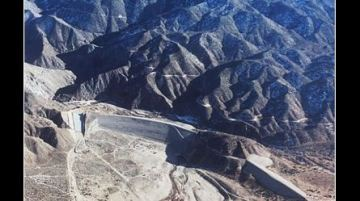 Hundreds of Thousands of People in SoCal are Downriver of a Dam That 'Could Fail'