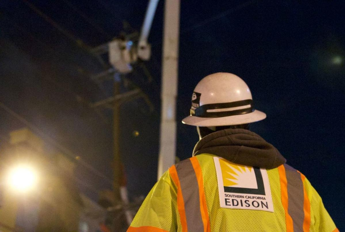 Southern California Edison Agrees to $360 Million Wildfire Settlement