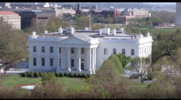 White House was briefly on lockdown after aircraft entered restricted airspace