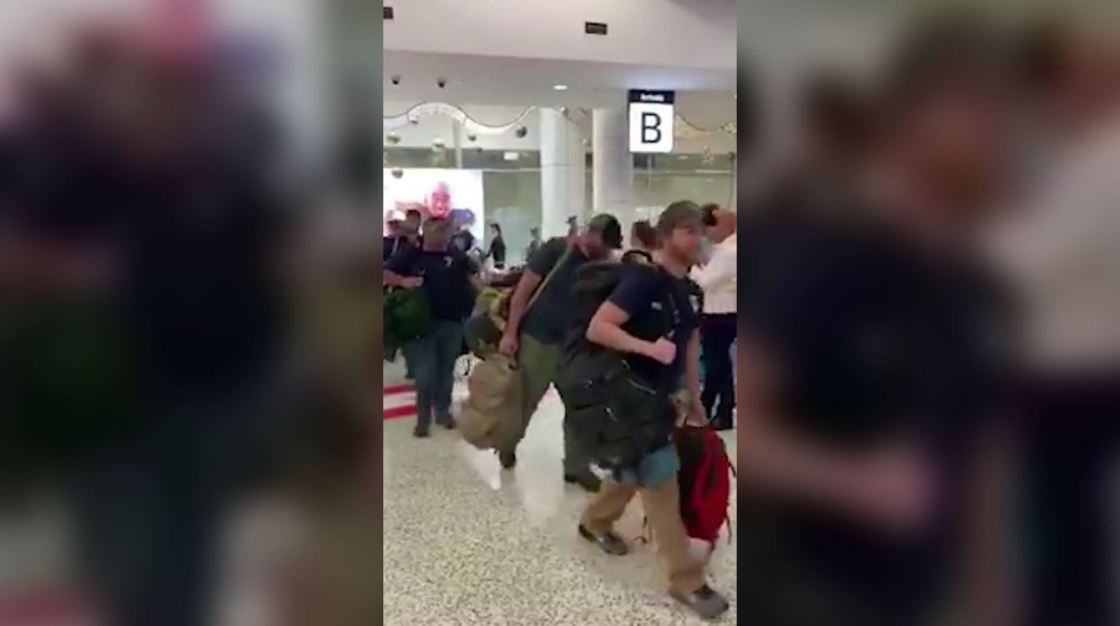 American firefighters arrive in Australia and get cheered at the airport