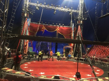 Circus Vargas Comes to Westfield Mall in Palm Desert