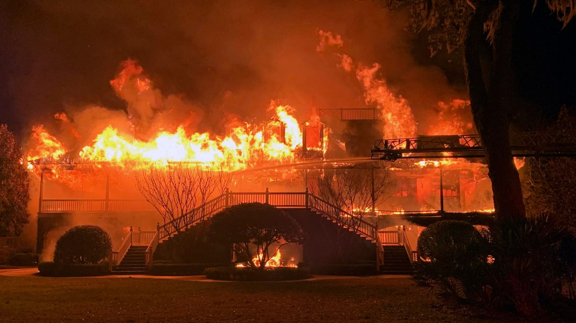 Home of golfer Davis Love III was destroyed by a fire