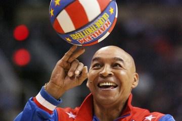 'Curly' Neal, Harlem Globetrotters ball-handling legend, dies at 77