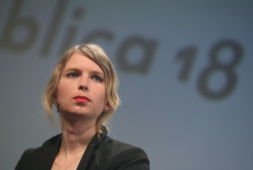 Federal judge orders Chelsea Manning's release from jail