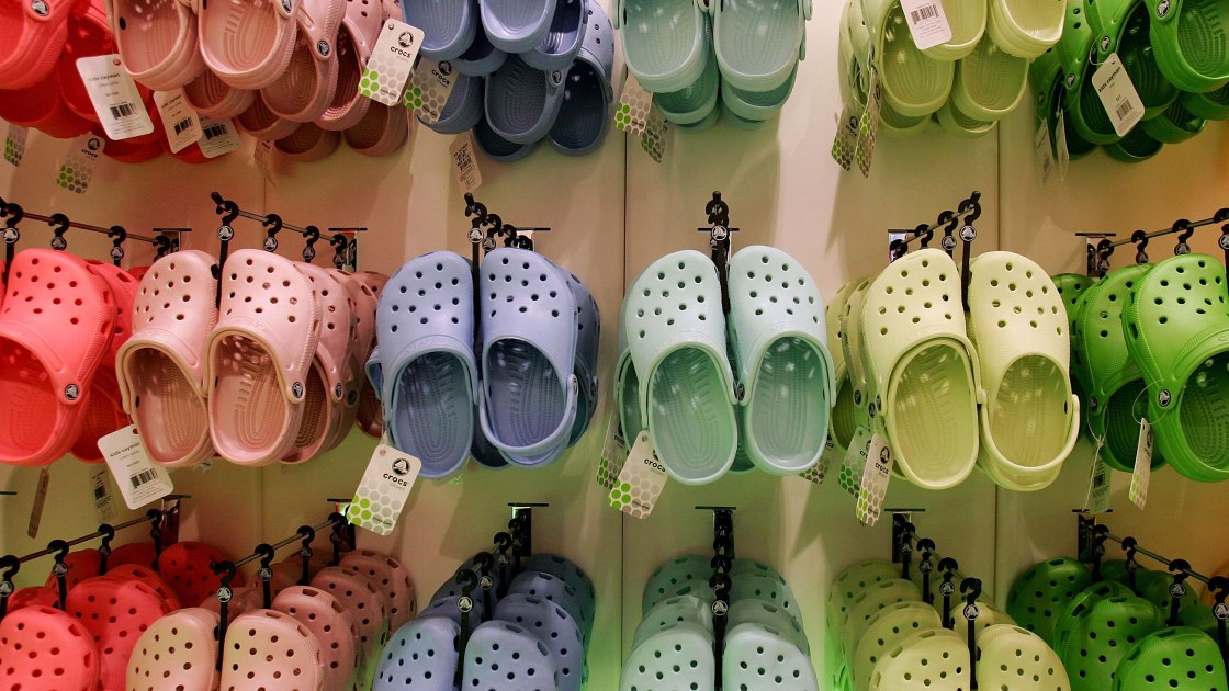 Crocs donating its shoes to healthcare workers