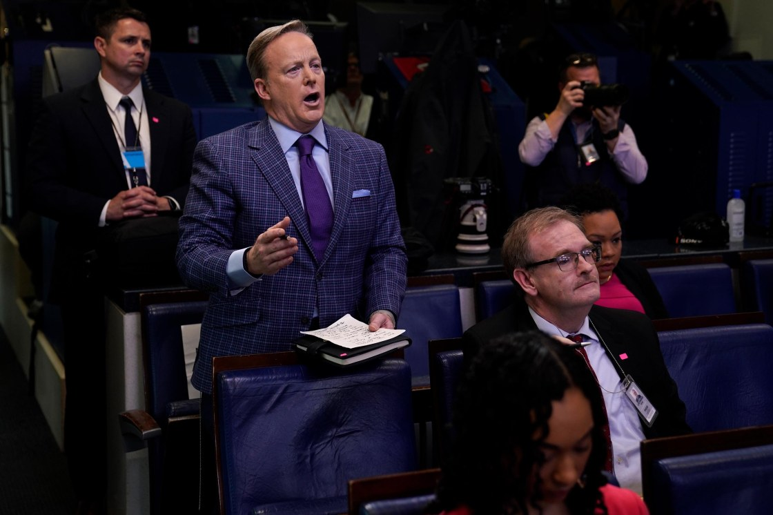 Sean Spicer returns to White House briefing room as a reporter