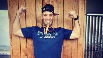 A man ran the length of a marathon all from his balcony during France's coronavirus lockdown